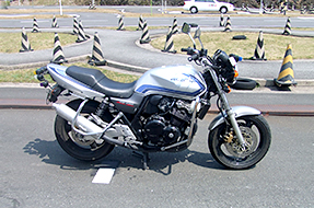 125cc以下の小型限定免許/400cc以下の普通二輪免許